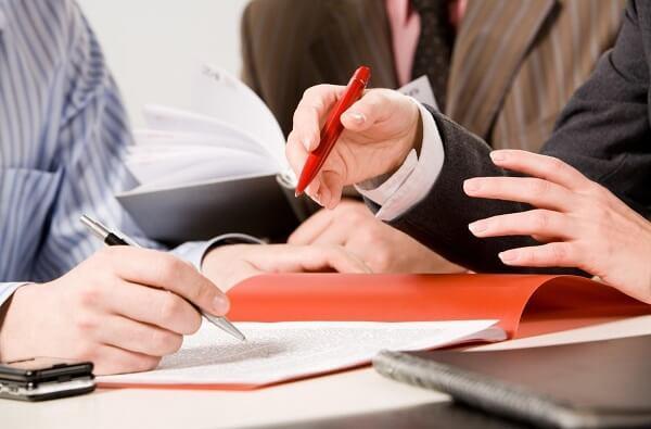 Обдумайте, какой договор с сотрудником вам подходит