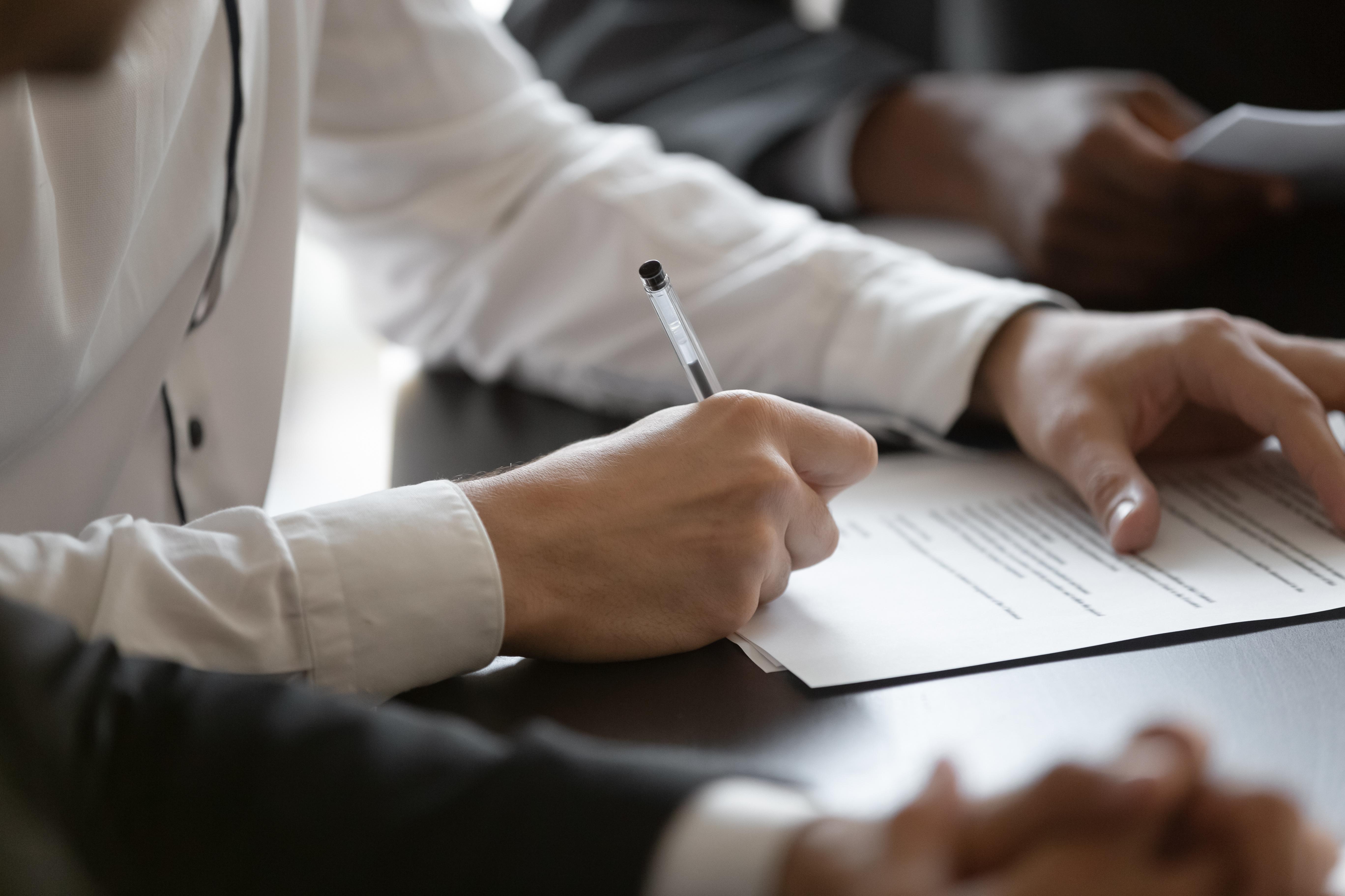 Трудовой договор с сотрудником иностранцем