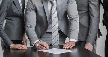 Особенности содержания трудового договора с сотрудником-иностранцем