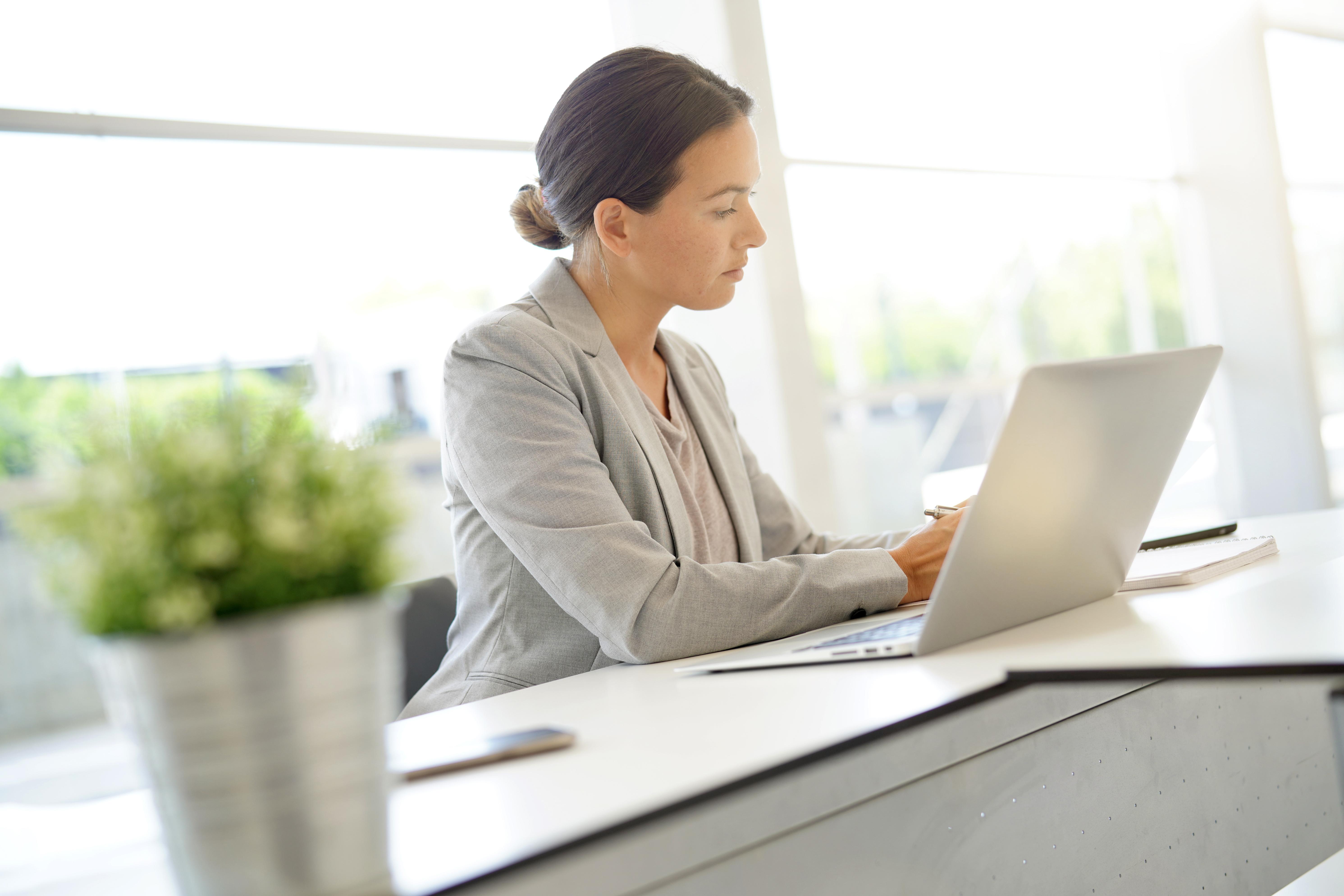 Электронные трудовые книжки: Новая форма отчетности СЗВ-ТД